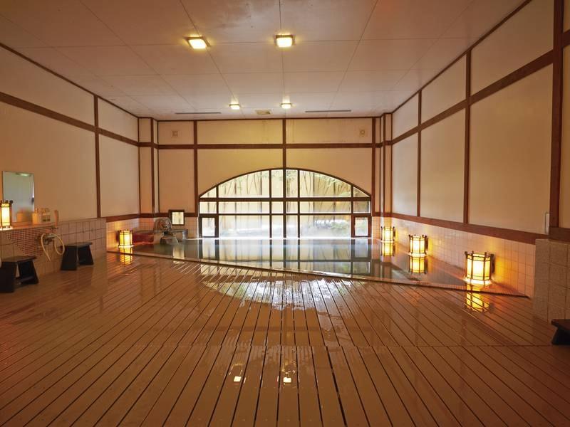 【大浴場/男性湯】大正ロマンの風情を感じる浴場