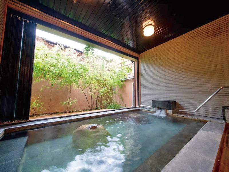 【大浴場】日本三大美肌の湯の「嬉野温泉」を楽しめる