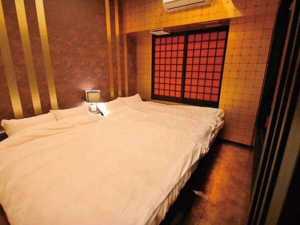 【金の部屋】ベッドルーム