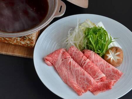 【特選佐賀牛100gすき焼き/一例】九州風の甘めの割り下でいただく佐賀牛たっぷりの極上の味です