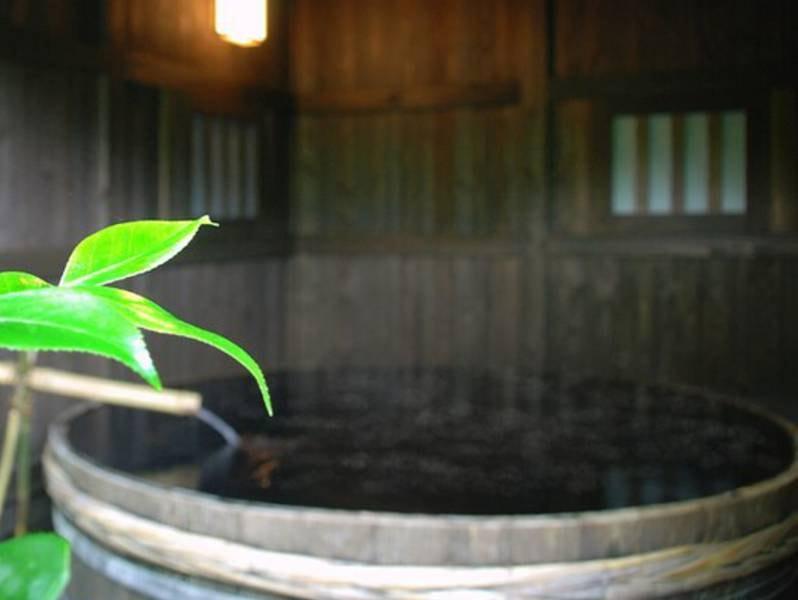 【貸切露天】6尺の酒樽風呂で思いっきり足を伸ばし自然を堪能♪