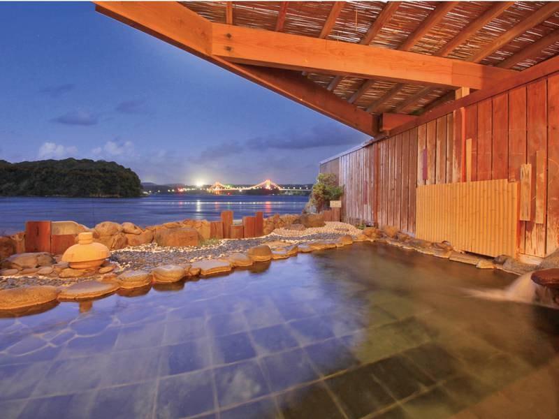 【みさき館2階 個室貸切展望風呂】海を目の前に、プライベートな湯の時をお楽しみいただける2つの個室貸切露天風呂