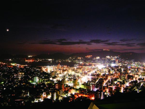 【眺望例】夜景を望む和室をご用意