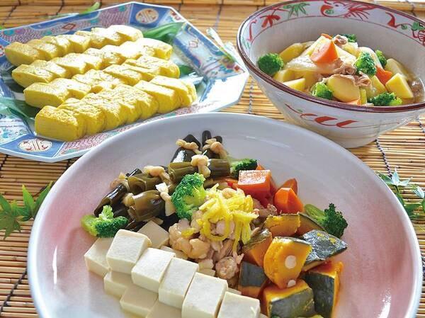【朝食バイキング/一例】地産食材を活かした優しい和の料理も並ぶ