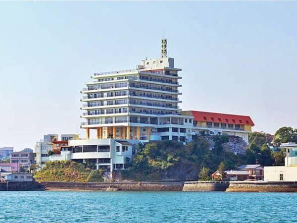 【外観】島原随一を誇る高台にたつ、昭和9年創業の歴史あるホテル。平成24年にリニューアルし、名称も新たに!島原港から車で3分、駅からも近くアクセス抜群!