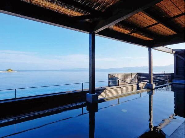 【Ark Land Spa/展望露天】宿泊者は利用無料!目の前に広大な海を望む幅18メートルの展望露天を満喫できる