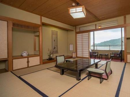 池を望む和室+ベッド1台(禁煙)/例