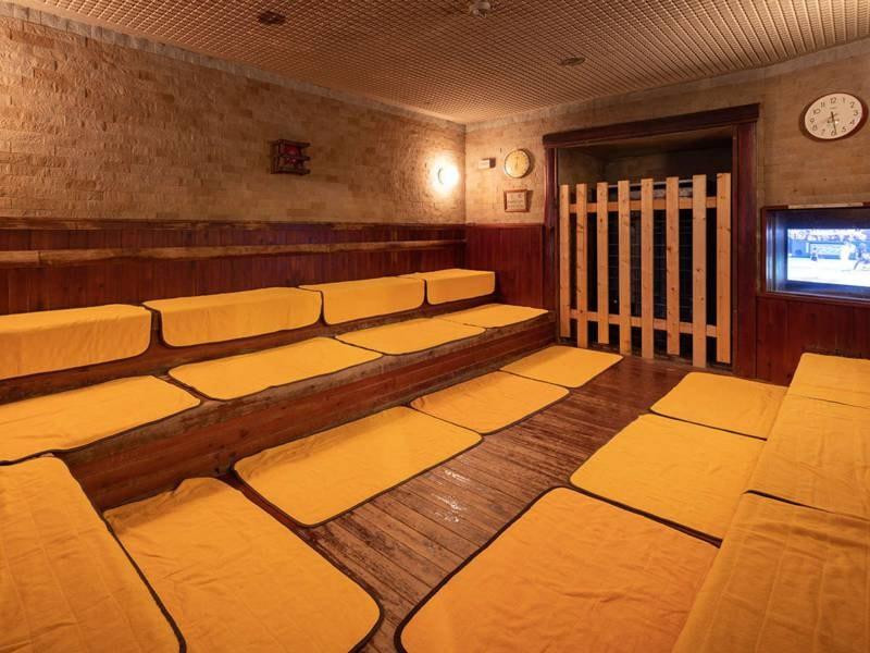 【サウナ】大浴場には、身体をじんわりと温めるサウナもあり。汗をかいてからの水風呂が気持ちいい!