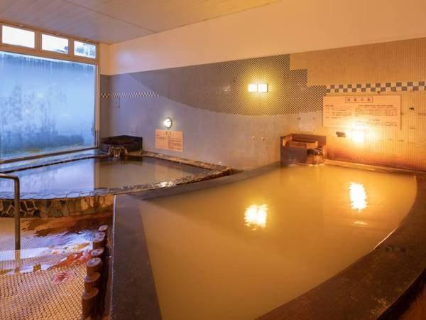 【大浴場】かの太閤秀吉も愛したという有馬温泉の『太閤の湯』と同じく、鉄分豊富な名湯『九十九島温泉』