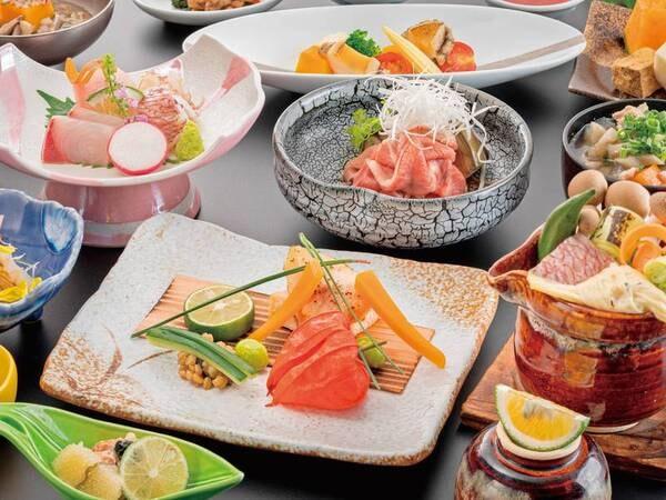 【夕食/例】熊本・阿蘇に来たら絶対に味わいたい「ブランド牛」をメインに、自然あふれる場所で育った新鮮な野菜やお米、「食べて美味しい、見て楽しい」料理長渾身の彩り溢れるお料理を「月替わり」でお届け