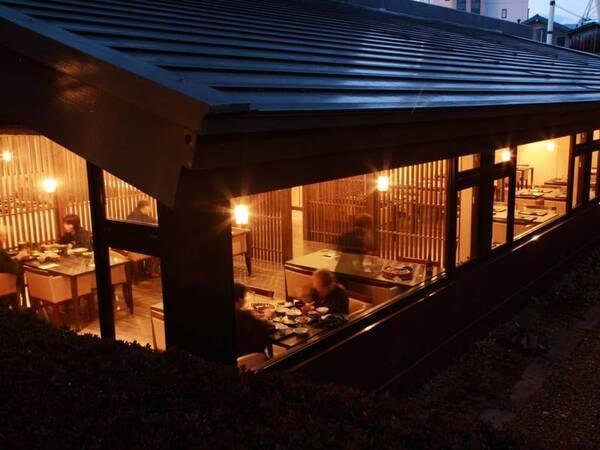 【一番館レストラン】木の温もりに包まれたお洒落な空間