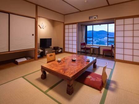 <【2番館長崎屋】 和室>広縁付の和室8畳、10畳のお部屋がございます。バス・トイレも完備、純和風のお部屋で阿蘇の田園風景を望むことができます