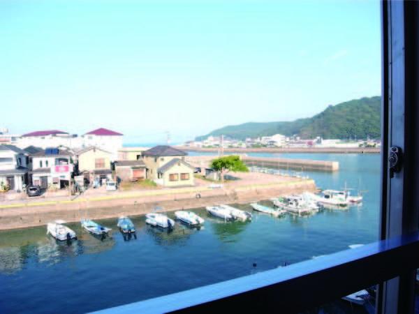 【客室眺望/例】港側客室からの眺め