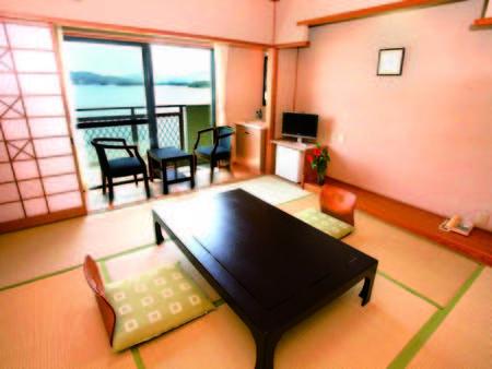 天草の海を望む客室(一例)
