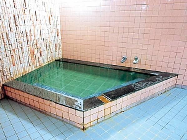 【貸切家族風呂/例】かけ流しの湯をプライベート空間で