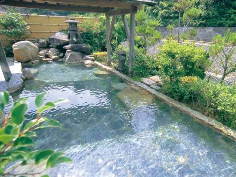 【男性用露天風呂】沸かさず薄めず天然の温泉をそのままに