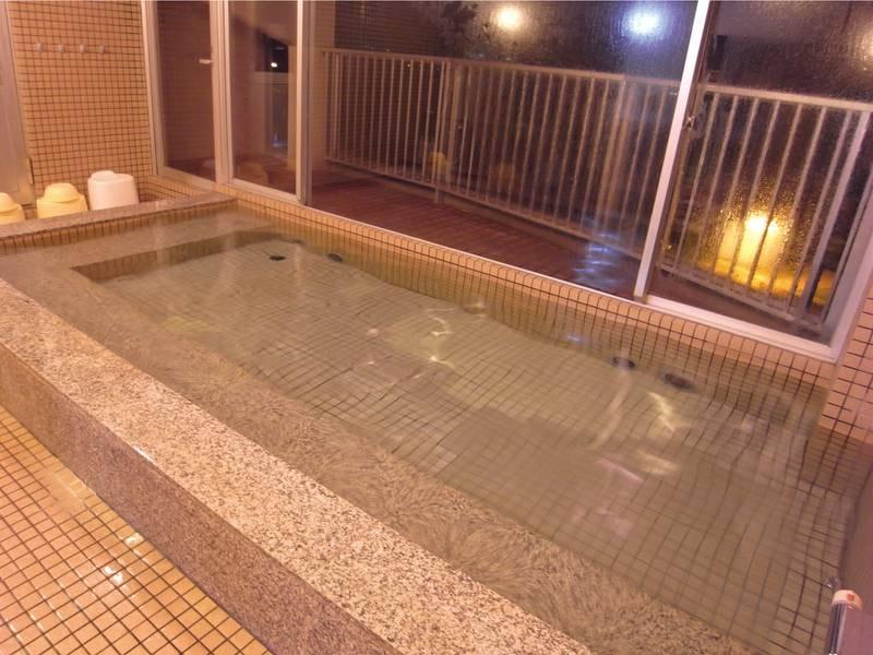 【展望浴場】pH9以上のとろとろ湯を満喫