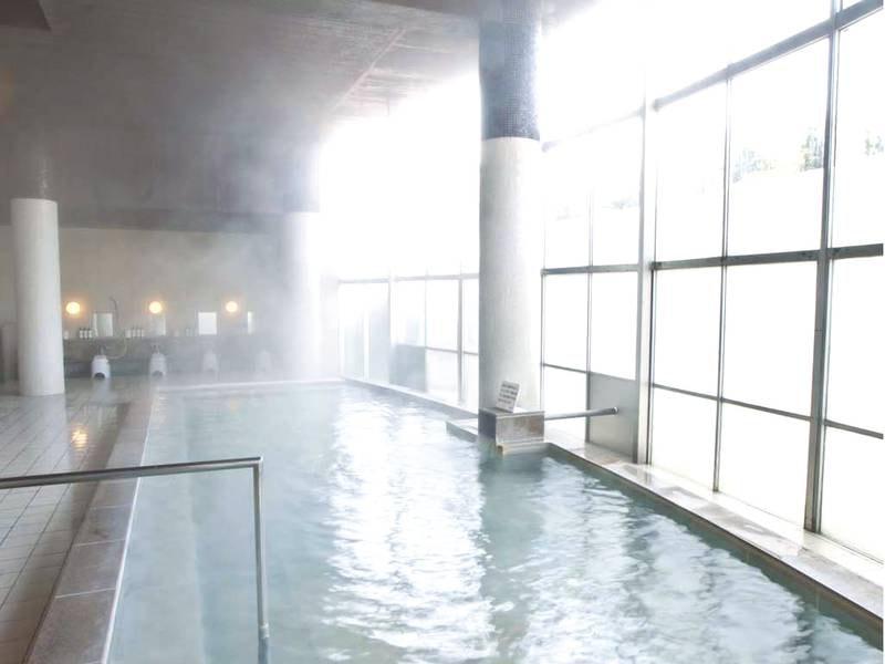 【大浴場】炭酸水素塩泉を堪能!