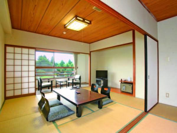 【和室/例】ゆったりした広さの和室からは中庭を望める