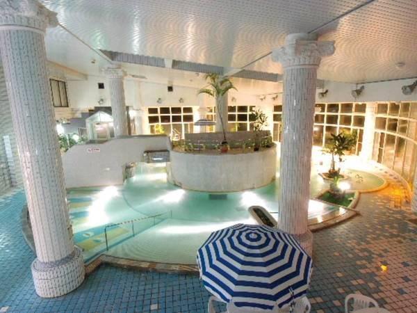 【室内スパ/別途有料】水着で遊べる充実のスパ施設
