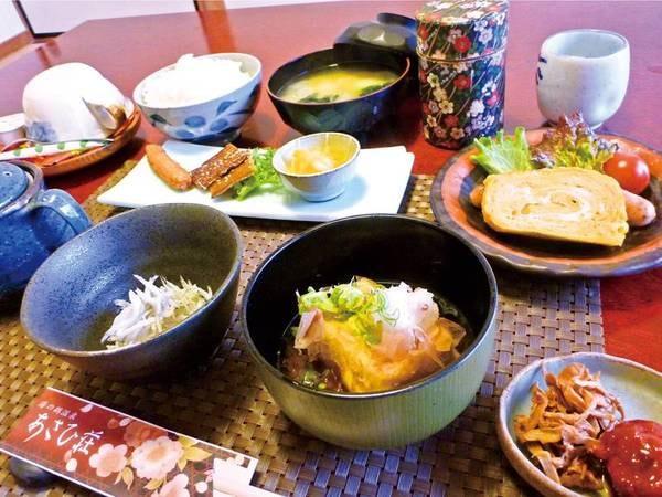 朝食では和洋どちらの味も楽しめる/一例