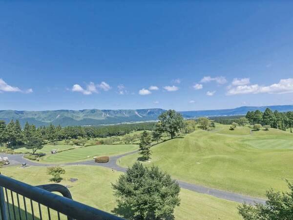 【外輪山側客室からの眺望例】雄大な景色に心癒される