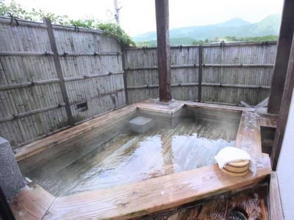 「すずらん」のお部屋は檜風呂