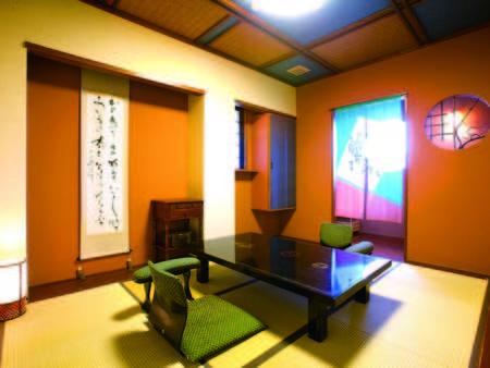 【客室/例】 和室部分は6畳以上のコンパクトサイズ。その分お風呂が広いです