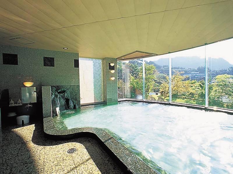 【男性大浴場・月の雫】天ヶ瀬温泉街を見下ろす