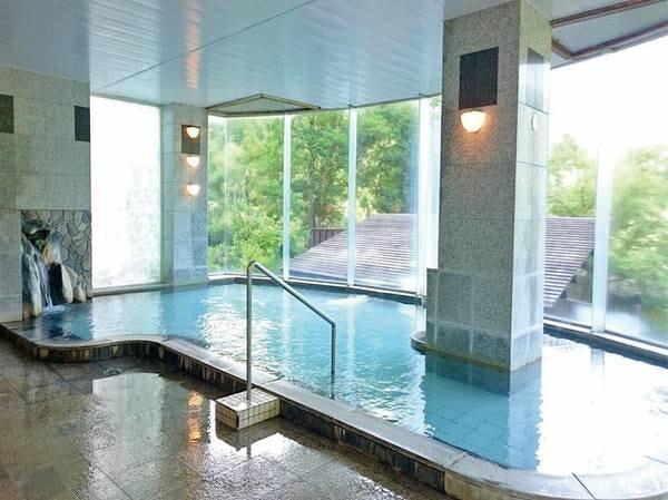 サラサラの温泉を愉しむ