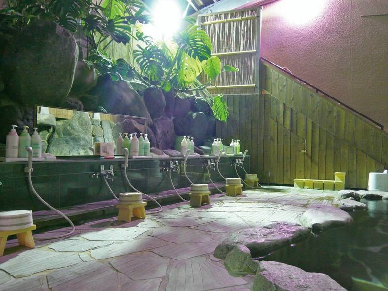 岩風呂(大露天風呂併設)