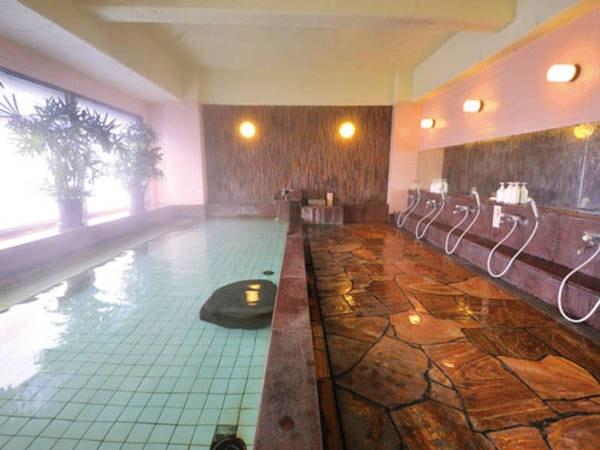 【本館展望大浴場(女湯)】のんびり温泉を満喫できる