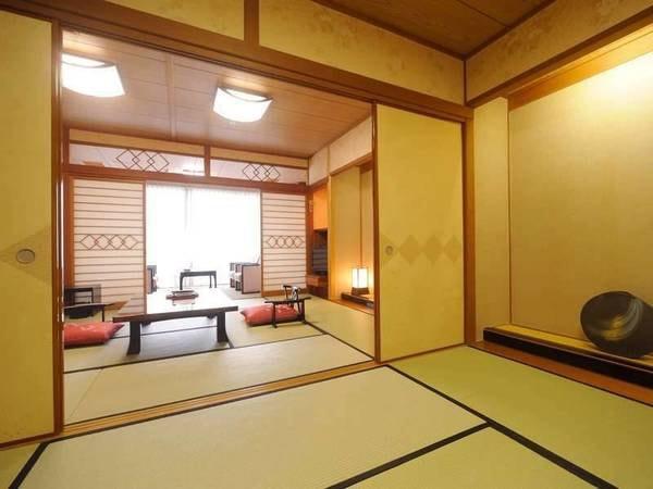 特別室(和室10畳+8畳)展望由布岳側/一例