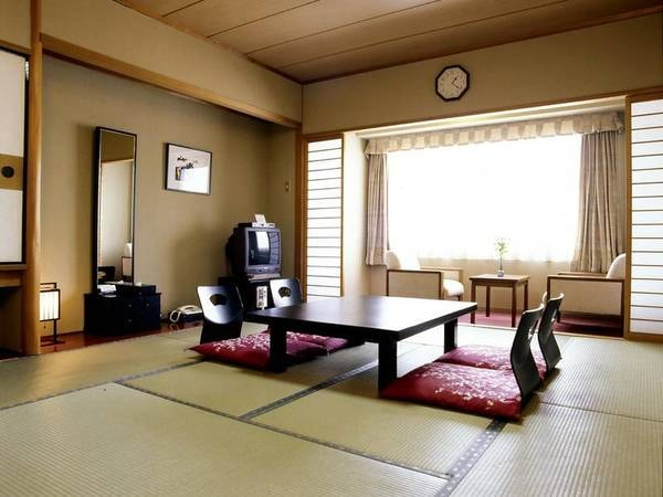【禁煙】和室[眺望おまかせ]/例。足を伸ばしてゆったりお寛ぎいただける10畳和室をご用意