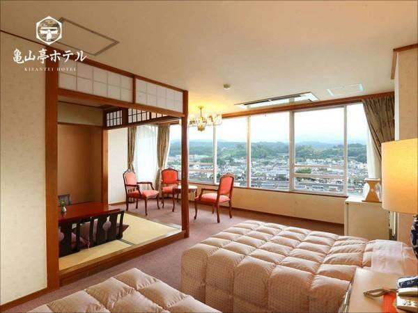 【701和洋室[8畳+3畳+ツイン] 川側/例】