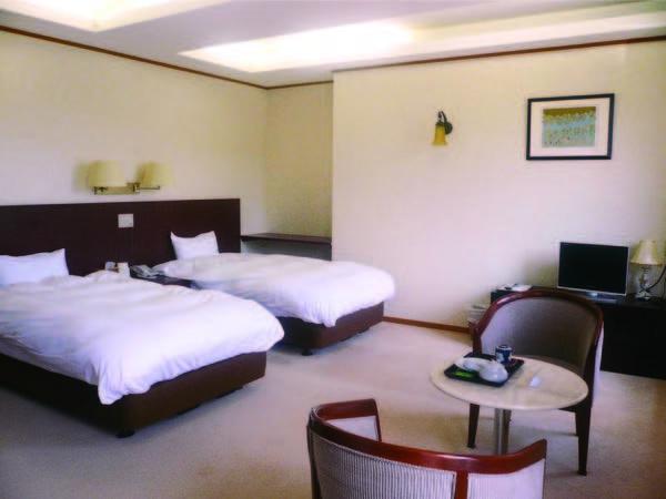 白を基調とした清潔感のある洋室(一例)