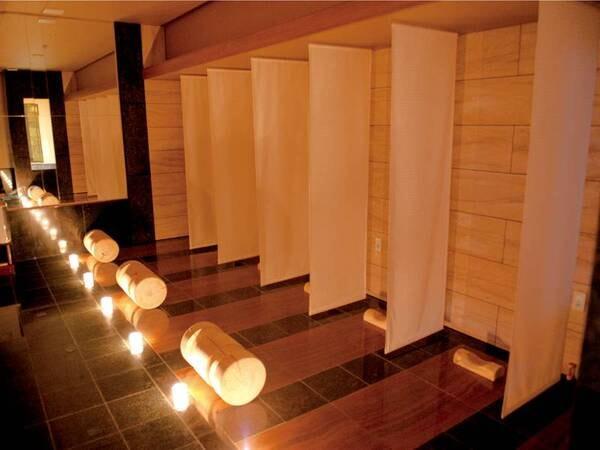 【岩盤浴】「木紋石洞」は暖められた木紋石で体をゆっくり温めることでゆっくり発汗を促す
