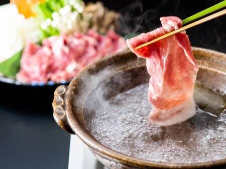 【とんちり鍋】地元の牧場で大切に育てられたきなこ豚を使っています。常盤荘自慢の料理です。