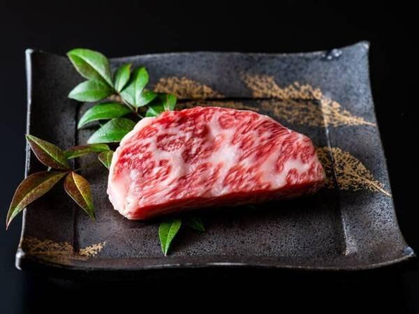 【宮崎牛】和牛オリンピック2連覇に輝いたブランド黒毛和牛。ぜひご賞味ください!