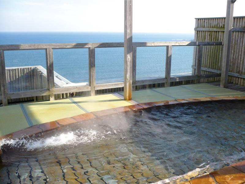 【展望露天風呂/輝潮】青島が望める絶景ロケーションでとろとろの美肌の湯を満喫
