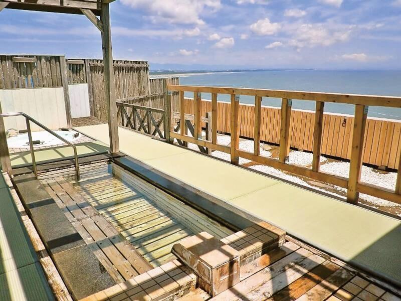 【展望露天風呂/水平線】目の前に広がる太平洋を眺めながらとろとろ美肌湯満喫!