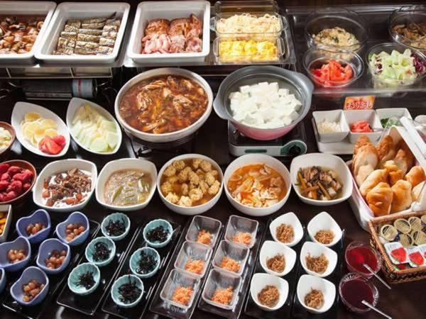 """【朝食バイキング/例】""""懐かしいお母さんの味""""をいただく、種類豊富な朝食をご用意!"""