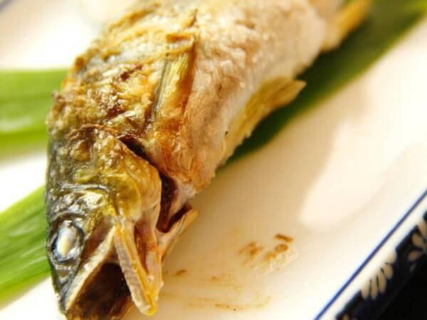 『えびの』の里山料理(鮎の塩焼き)/一例