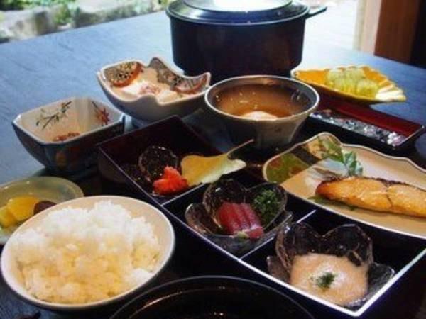 【ほかほか御飯を楽しむ朝食/例】
