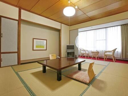 和室/例(8畳) 全室オーシャンビューで錦江湾や山川港を一望