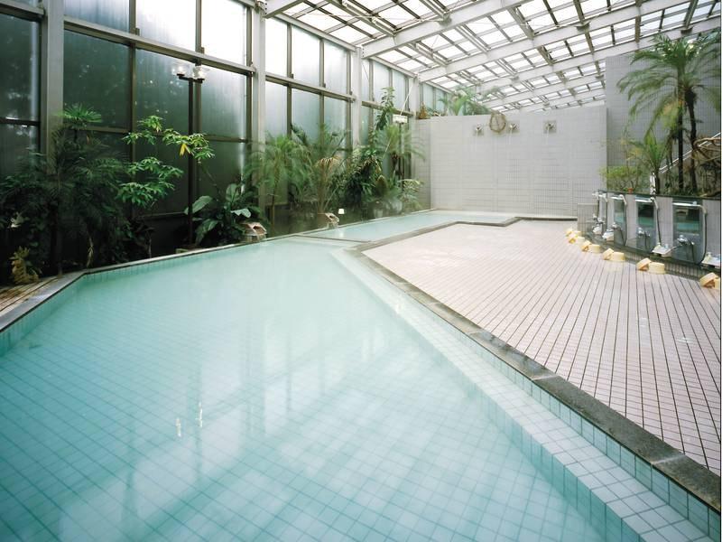 【大浴場】かけ流しの硫黄泉