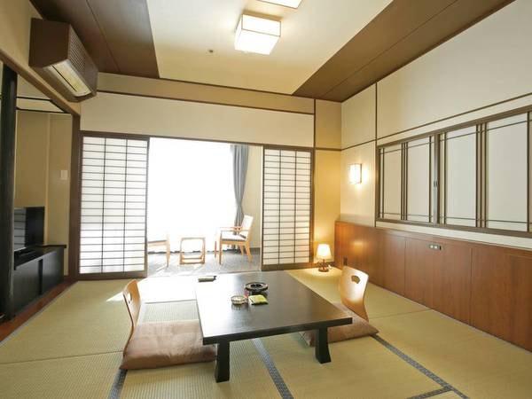 【北館/モダン和洋室・例】ワンランク上の落ち着き空間の和室。 畳や家具を一新して、より落ち着いた雰囲気でお寛ぎいただけます。