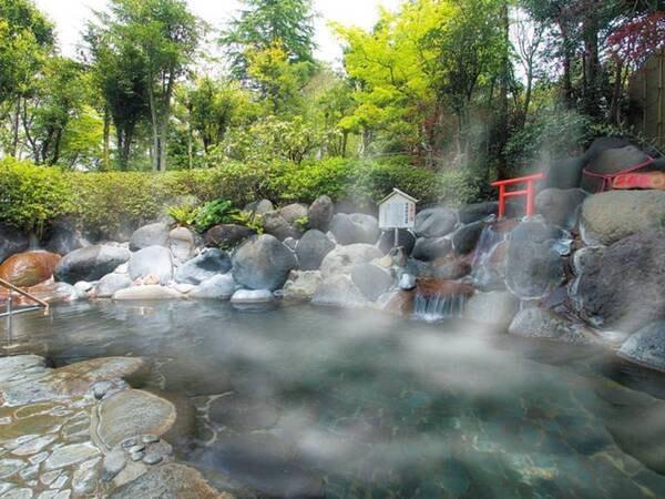 【露天風呂】自然のなかでのんびりと
