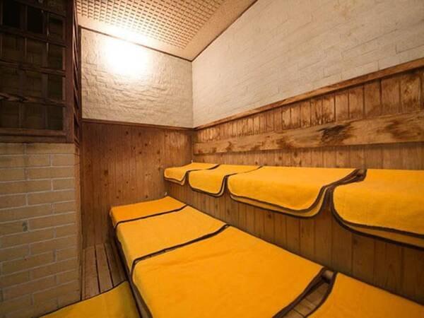 サウナ:大浴場に完備!水風呂も併設されており、しっかり汗をかいて日頃の疲れをリフレッシュ!