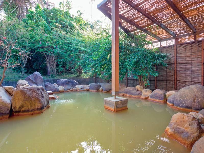 貸切露天風呂 質の高い温泉を贅沢に堪能、ゆったりお過ごしいただけます